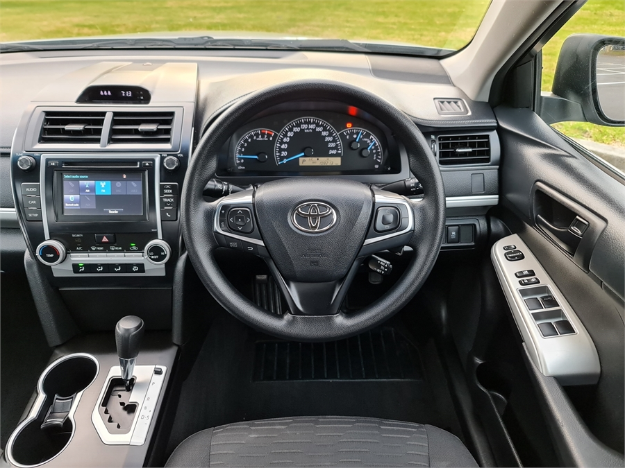2016 Toyota Camry Gl 2.5p/6at/sl/4dr/5