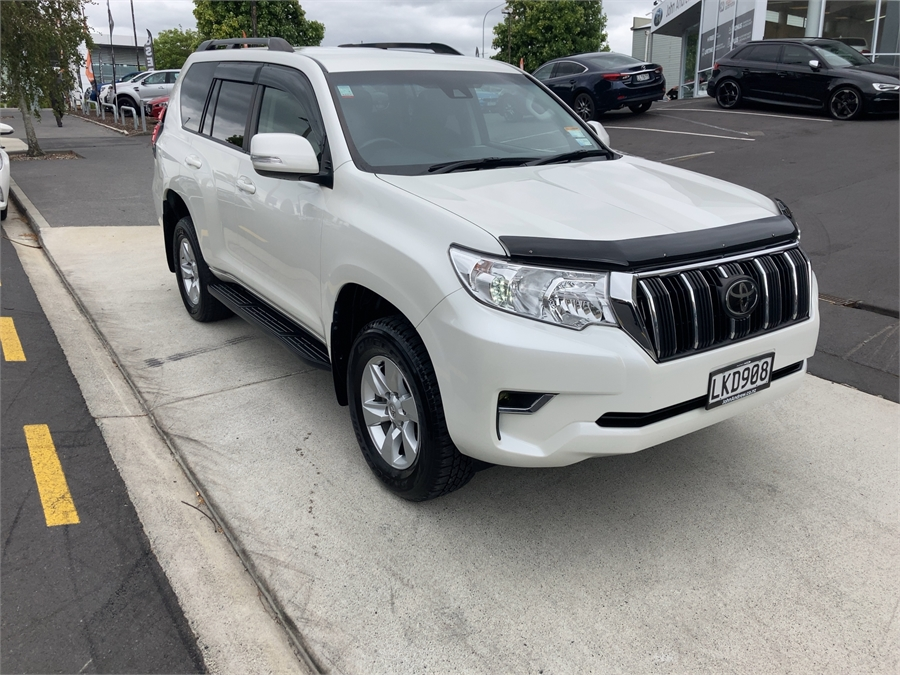 2018 Toyota Land Cruiser Prado Gx 2.8D/4Wd/6At