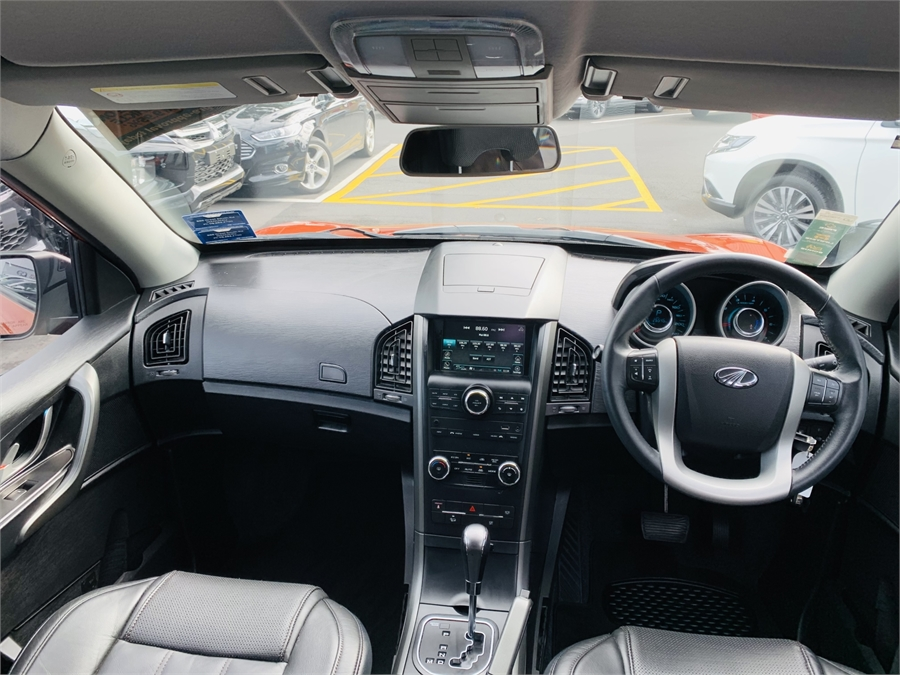 2018 Mahindra XUV500 DIESEL 7 SEATER W8 2.2D/6At/Sw/5Dr