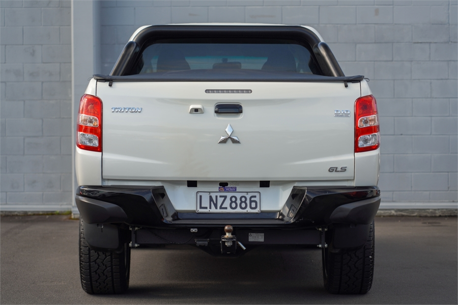 2018 Mitsubishi Triton GLS Black Edition 4WD manual